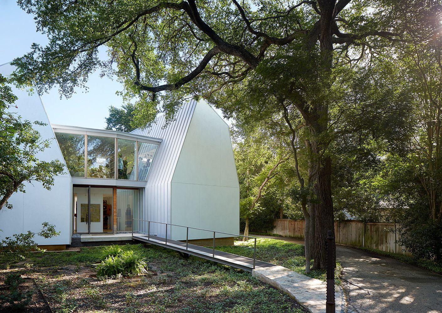 Review: Laman Residence