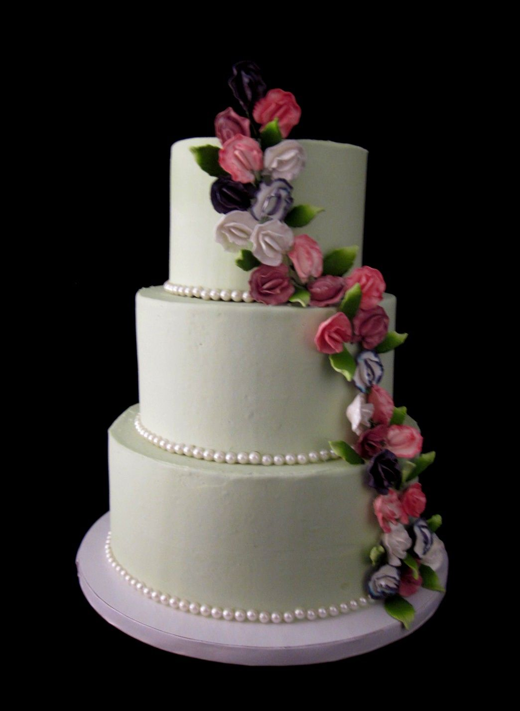 Google Image Result for http://thetwistedsifter.files.wordpress.com/2011/11/sweet-pea-wedding-cake-by-the-twisted-sifter.jpg
