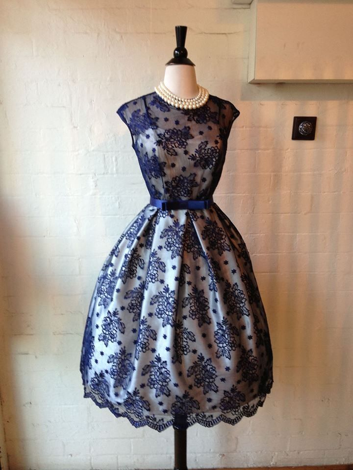 Beautiful French Lace Dress By Mulberry Street Vintage Boutique In Sydney Australia Autumn Fashion Women Vintage Formal Wear Gorgeous Dresses