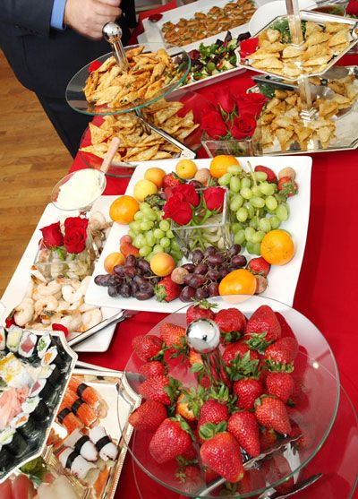 For A Summer Wedding Light Food Is Requested Cheap Wedding Food Reception Food Wedding Reception Food