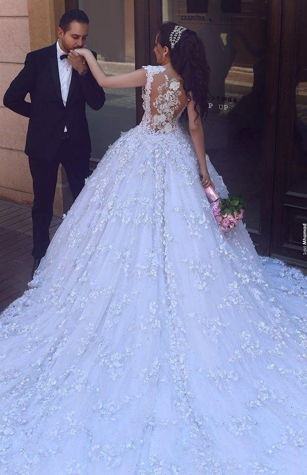10 Best Wedding Couple Shots - MiniMeCity.com