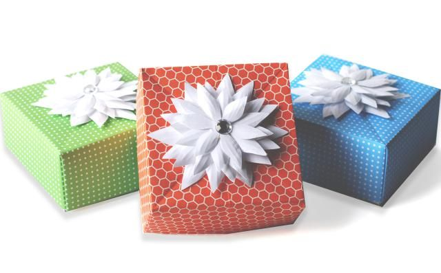 Make A Cute Gift Box In A Pinch Origami Gifts Origami And Box