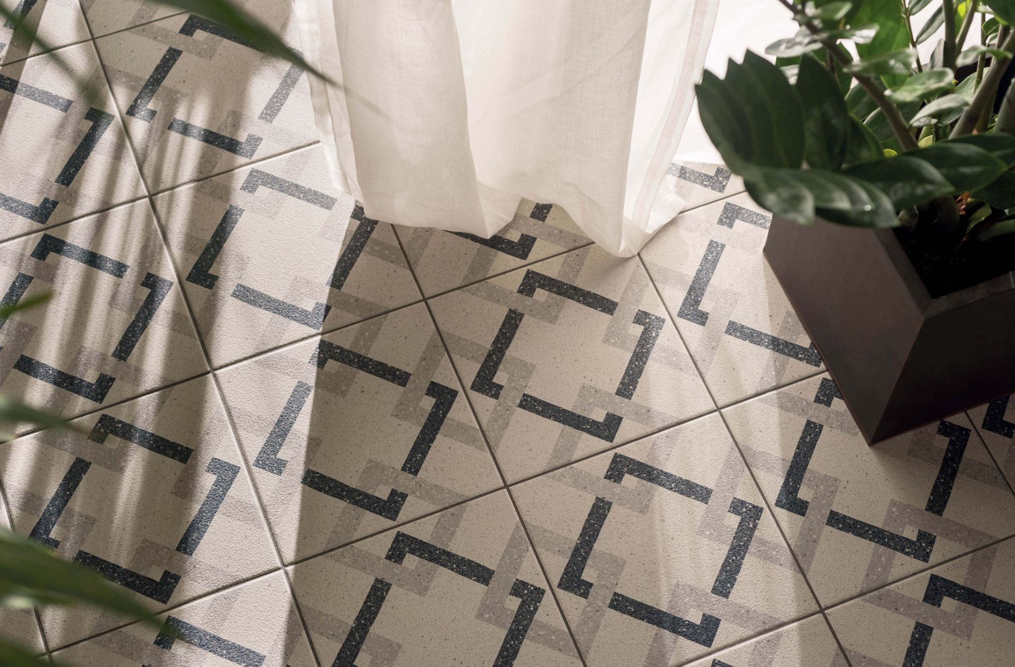 Marca corona srie forme marca corona srie forme lovely pattern floor tiles maybe ideal for a conservatory or orangery featuring succulent plants and pots dailygadgetfo Choice Image
