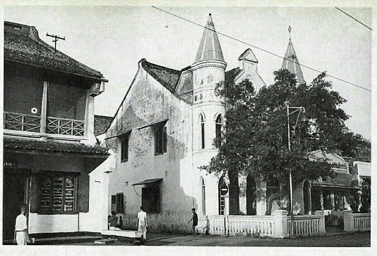Een Neo Gotisch Chineese Woonhuis Aan Senen Te Batavia 1925 1940  # Muebles Gayatri