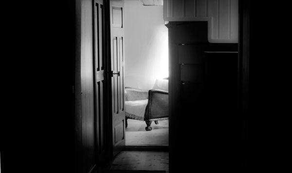 Interiör with ghost