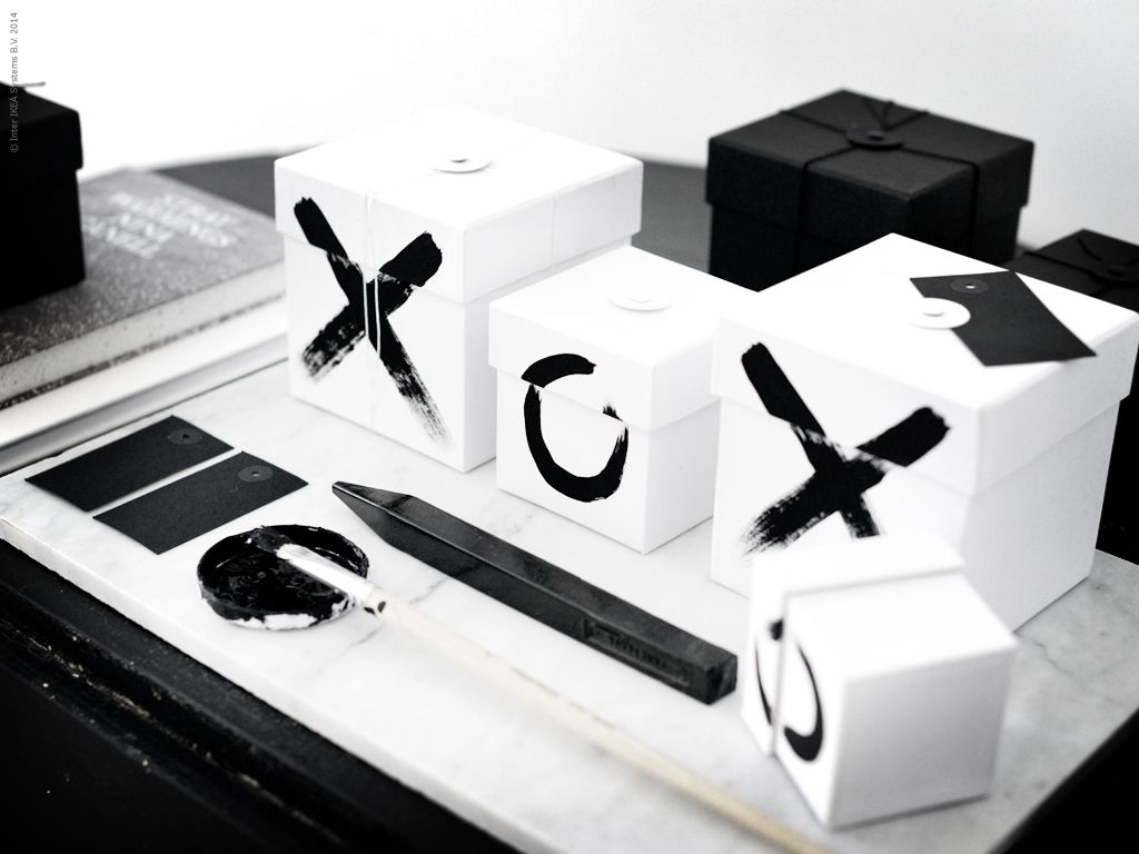 Black and White Christmas Presents  http://allyouneediswhite.indiedays.com/2014/11/19/mustavalkoista-joulua/