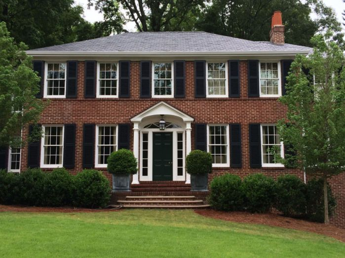 Open And Shut Case Choosing And Hanging Shutters Copy Wsj Brick Exterior House Colonial House Exteriors Shutters Brick House