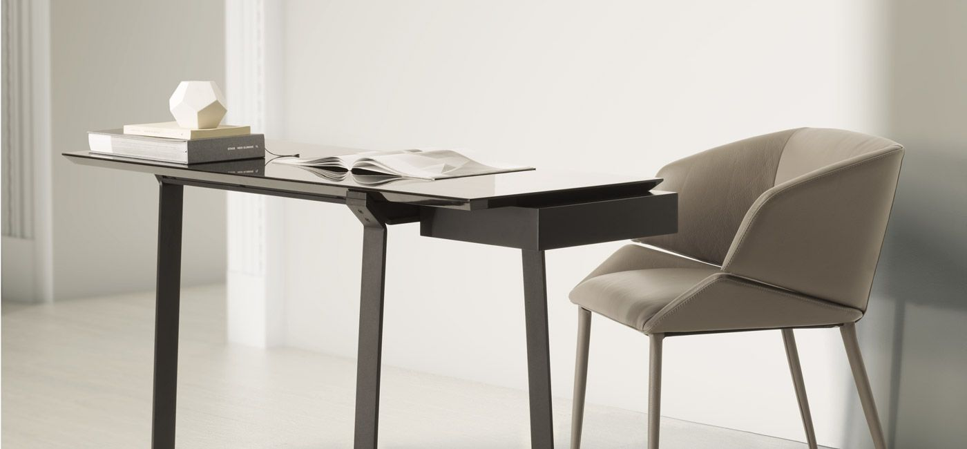 Beau Desks And Console Tables | NATUZZI ITALIA