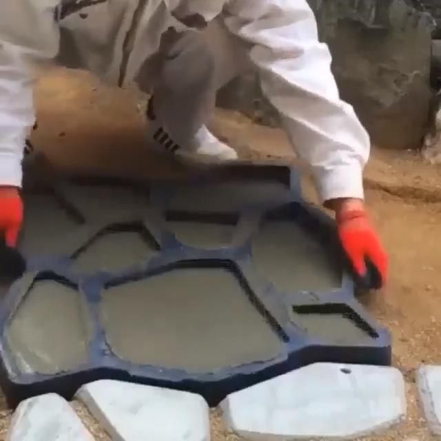 Photo of Mintiml Path Floor Mould