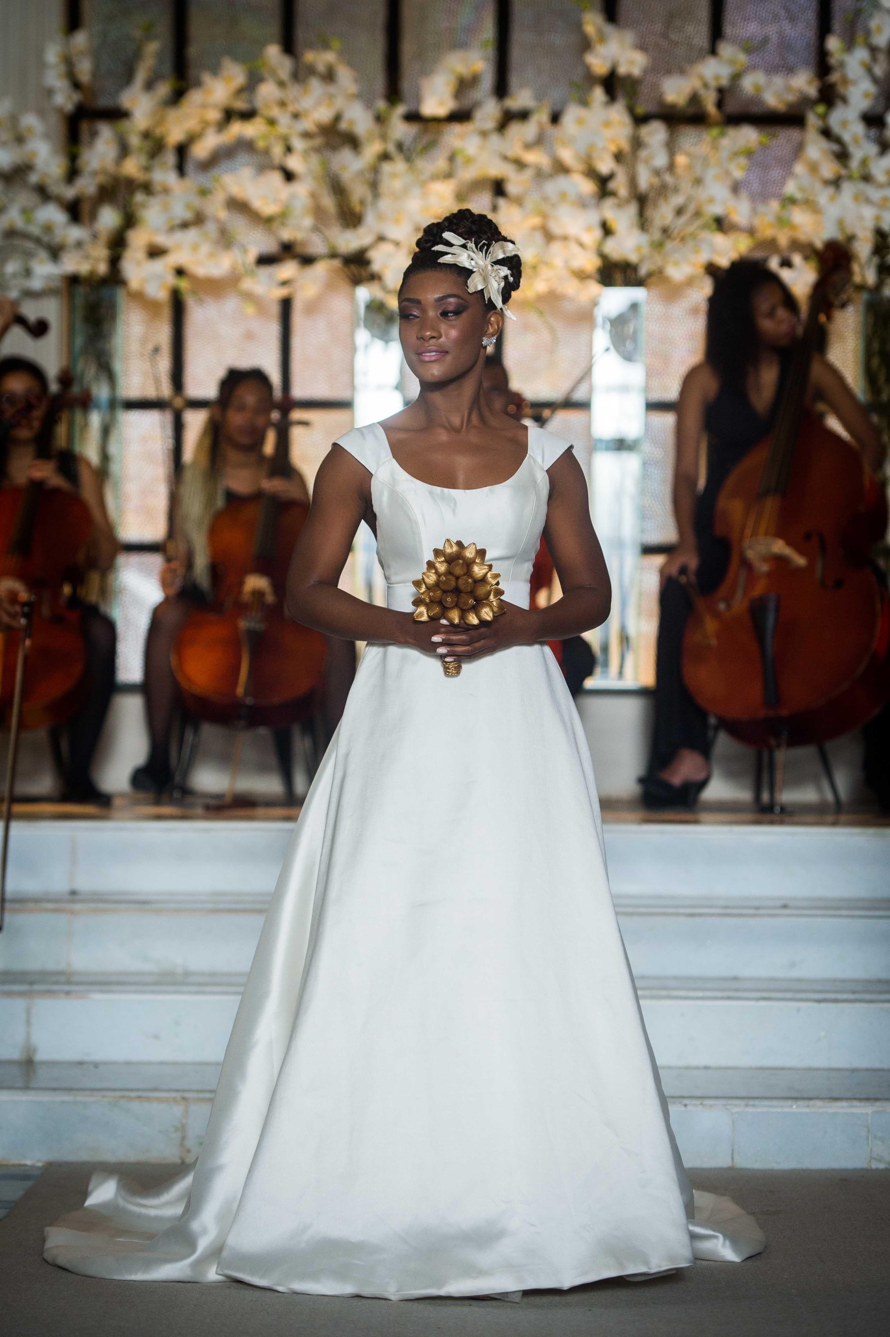 Vestido de noiva da Raquel (Erika Januza)  OOutroLadoDoParaíso 246377b9bb41