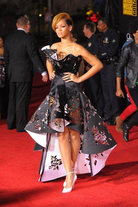 25 Times Rihanna Killed It on the Red Carpet | Rihanna style