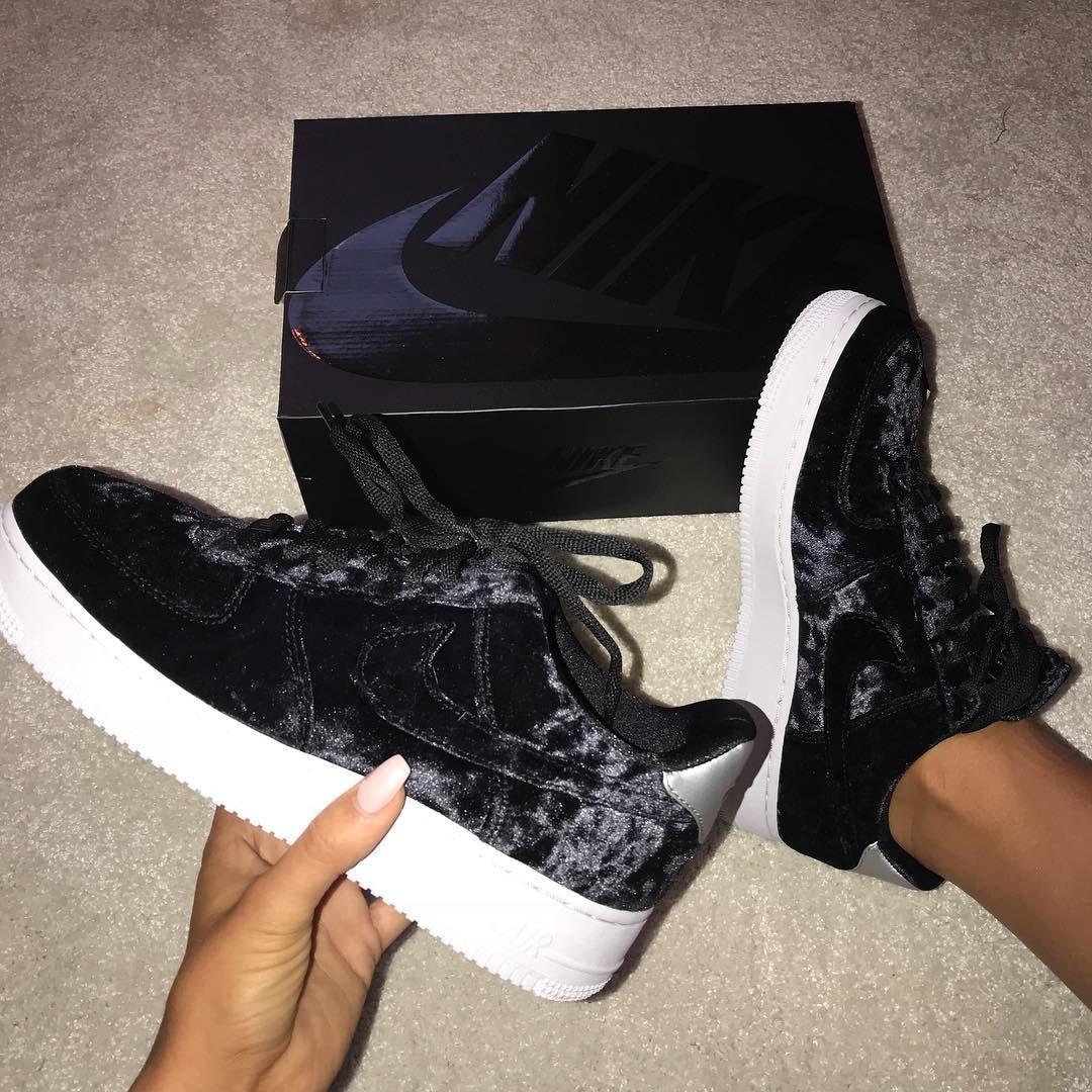 Nike Air Force 1 07 Premium Frauen Schuh Metallic Silber