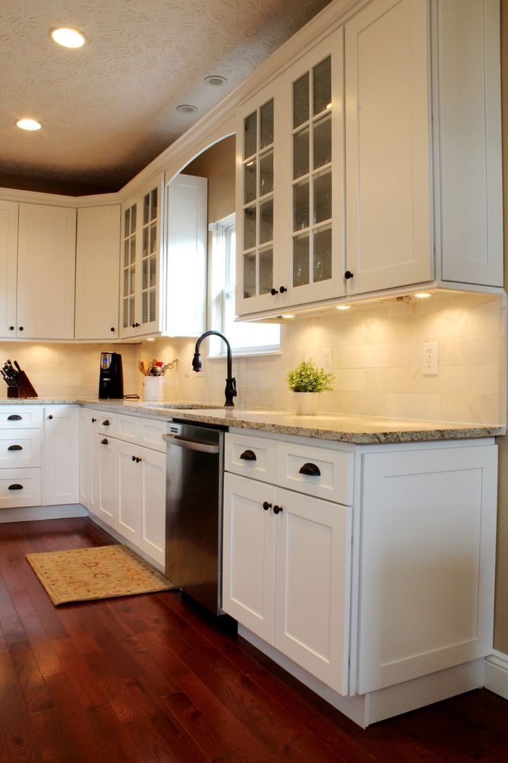 A Modern Ice White Shaker Cabinet really brings out the best in a ...