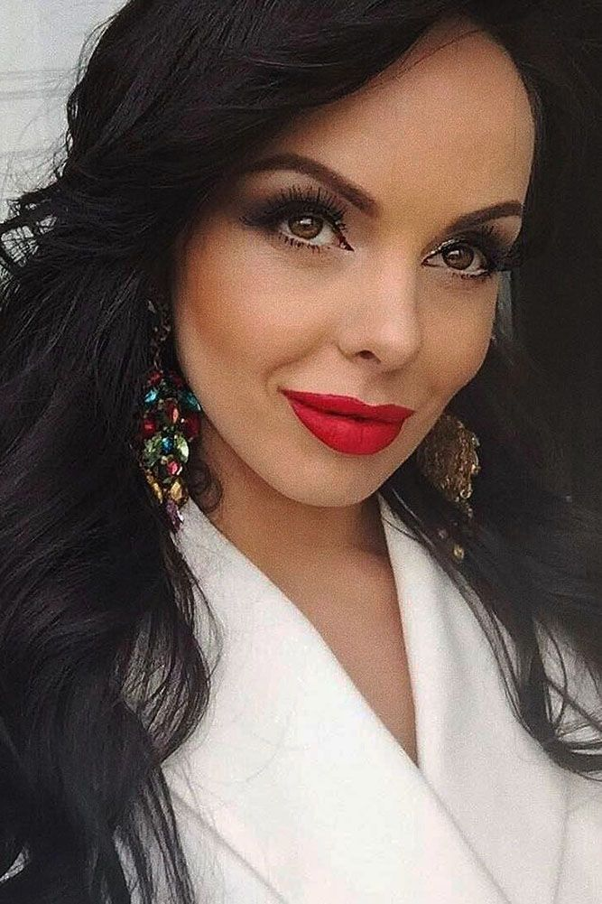 Classic Red Lips No Lip Liner Required Glamour Makeup Wedding