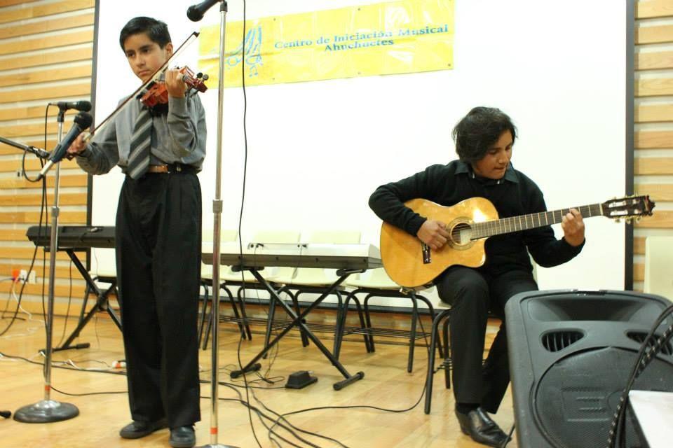"""Ensamble Violín y Guitarra """"Blackbird"""""""