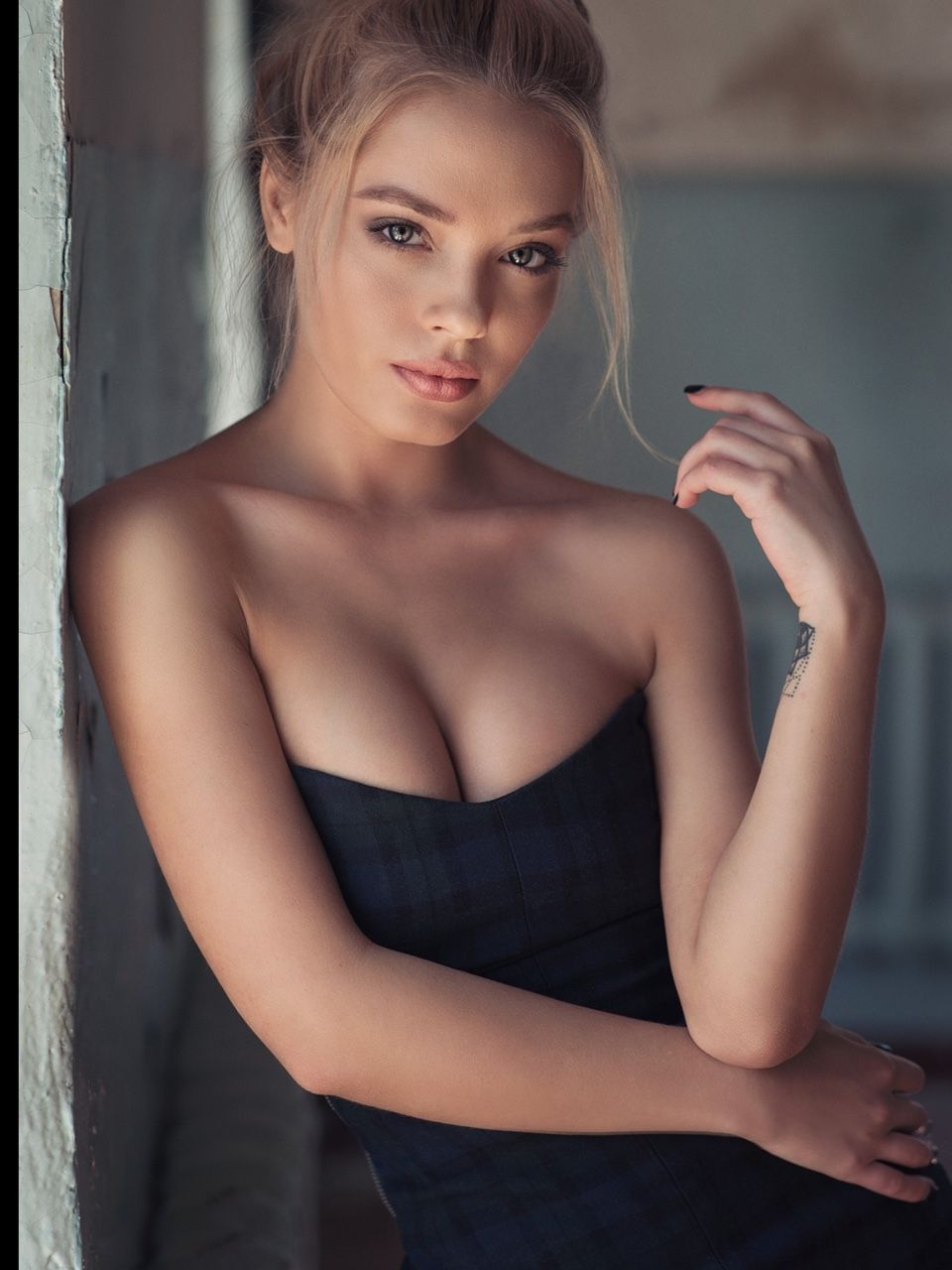 Female mature pleasure woman