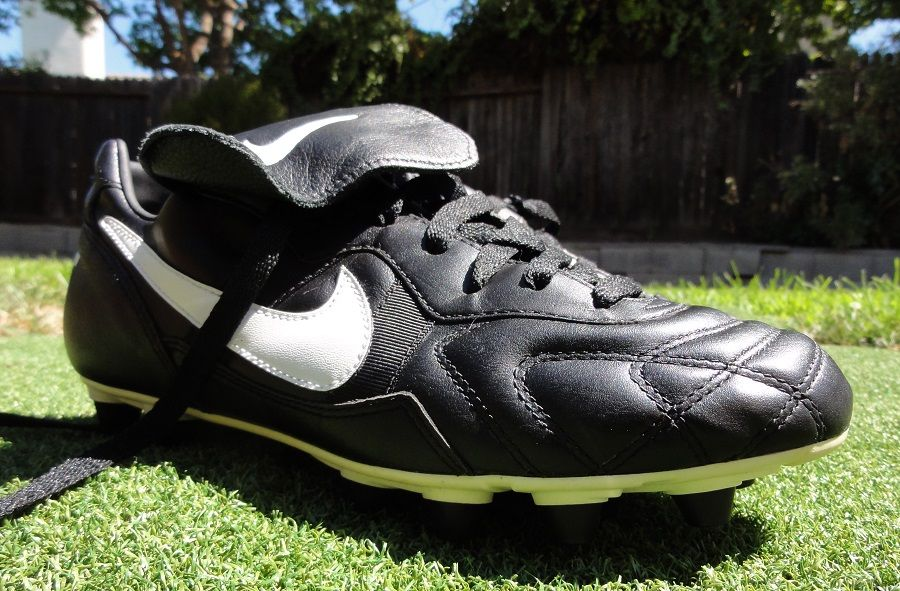 Pase para saber disparar sombra  Cleatology – The Original Nike Tiempo Premier | Soccer shoes, Soccer  cleats, Nike