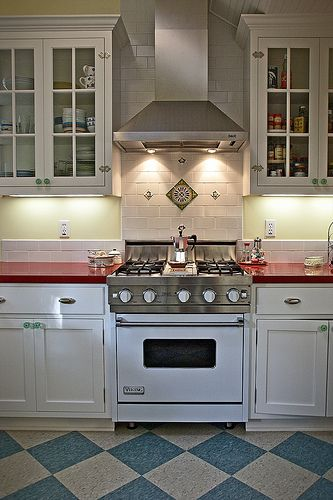 Perfect Viking Chimney Style Range Hood Over Viking Range/Oven.