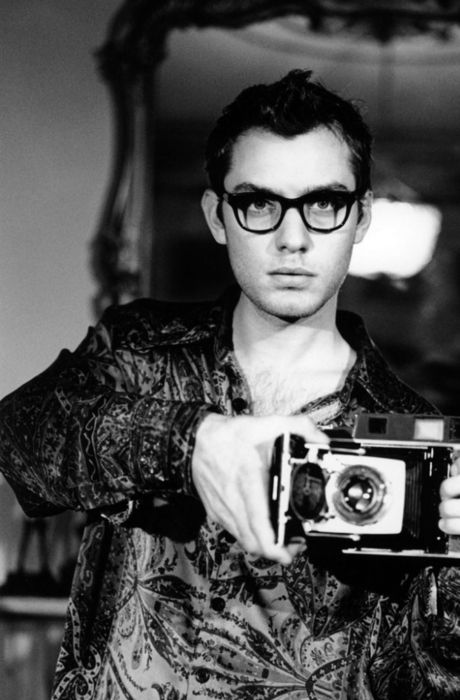 Jude Law | Guy with Camera | Handsome | Gentry | Spectacles