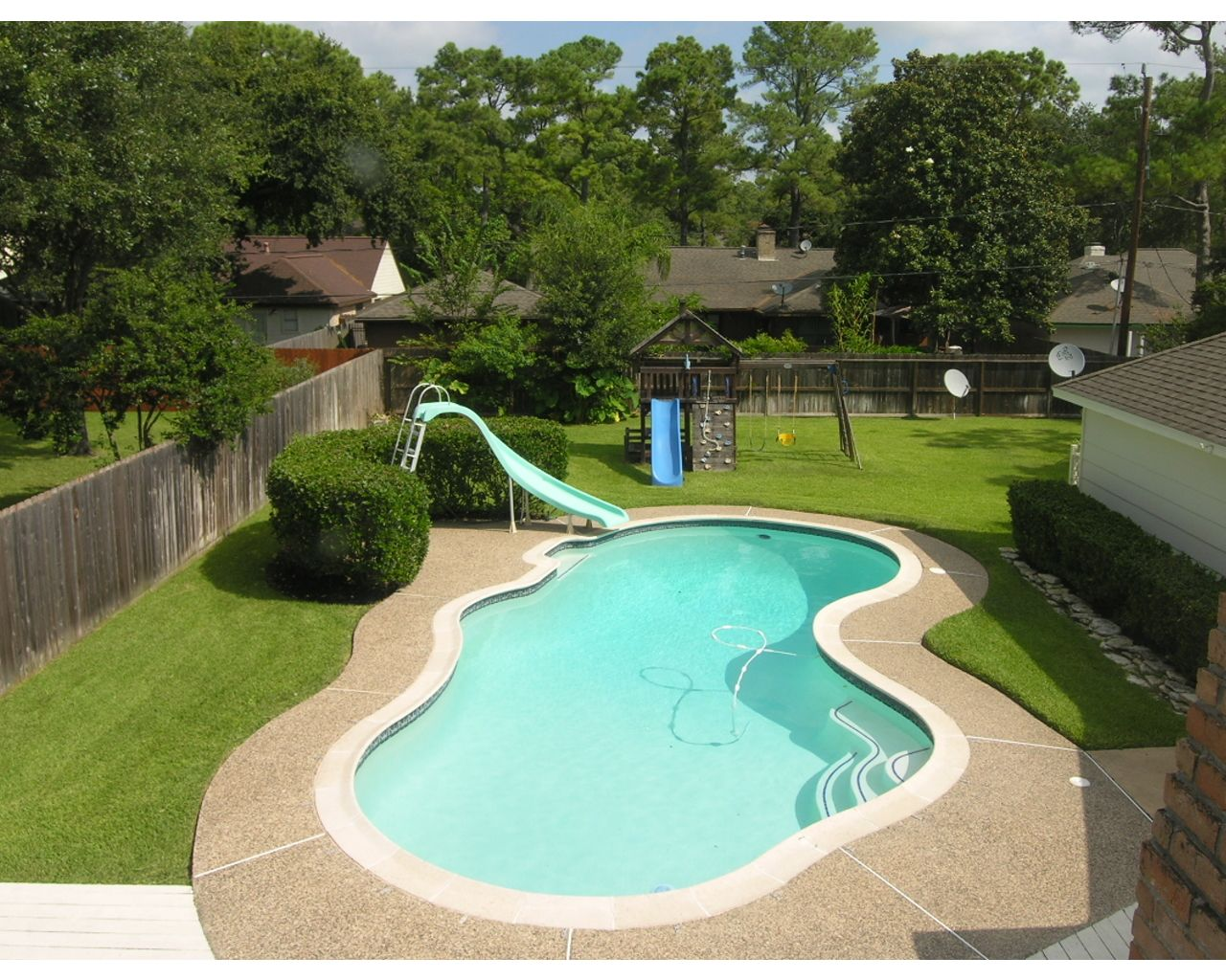 Backyard pools great view of large backyard pool but for Pool designs for small backyards