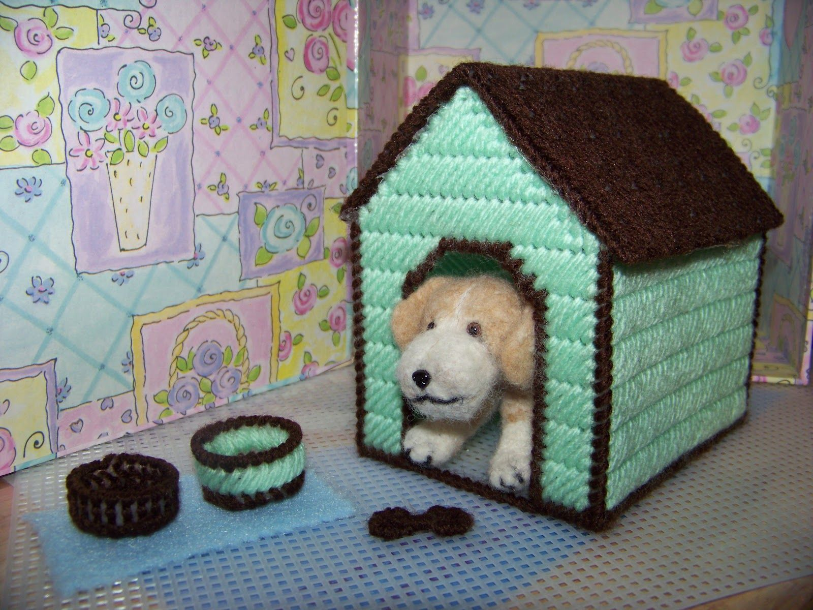Plastic Canvas Dog House For Needle Felted Beagle Canvas Crafts