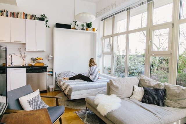 The Real Deal on Murphy Beds | Murphy bed, Apartment therapy and ...