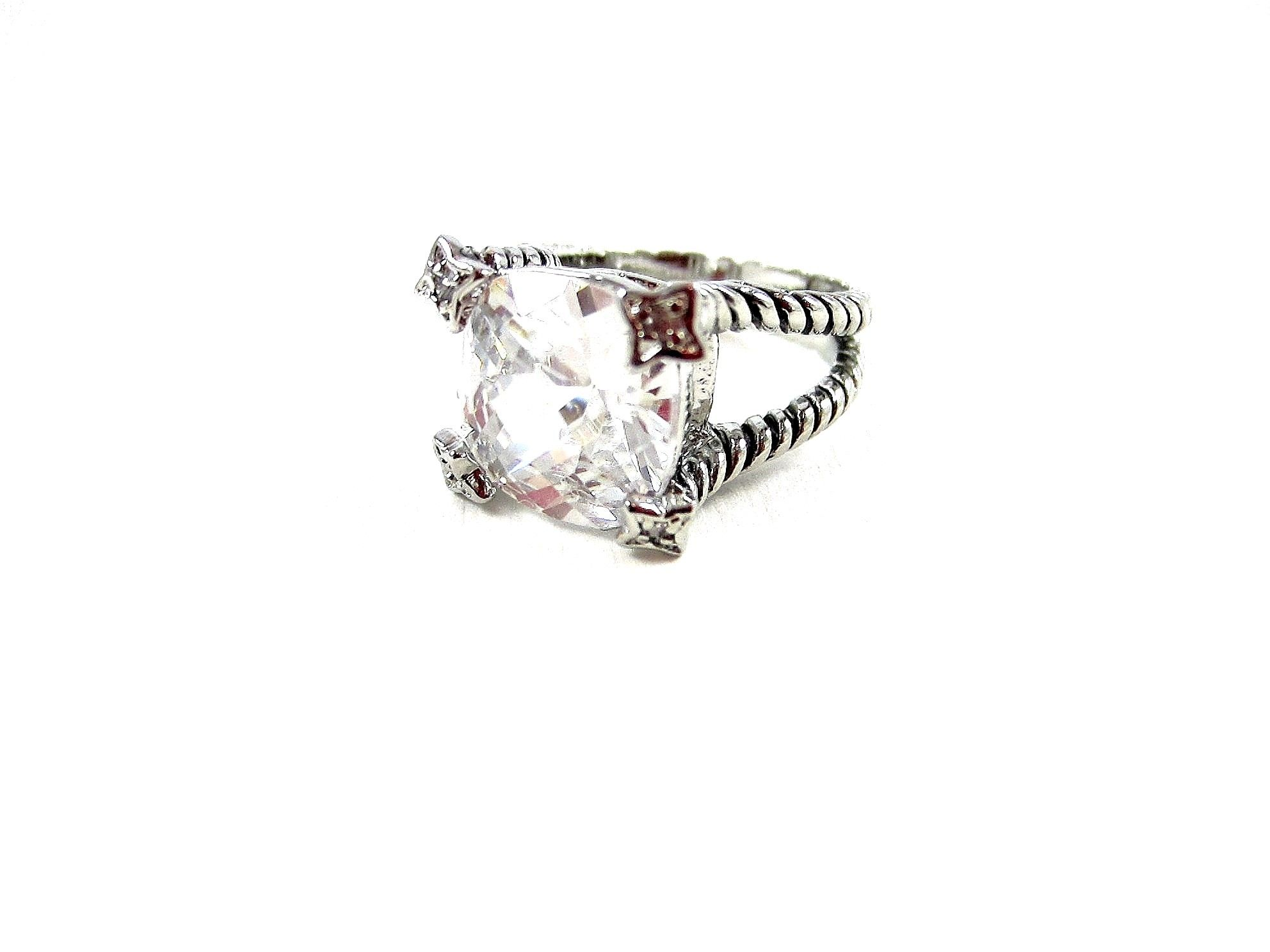 David yurman inspired ring, large crystal stone with vintage feel twisted silver setting, Stunning!!! Only $36.95