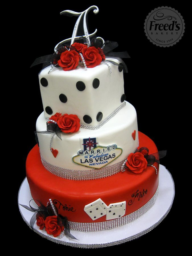 Vegas Wedding Cake  Reception Cake en 2019  Vegas themed