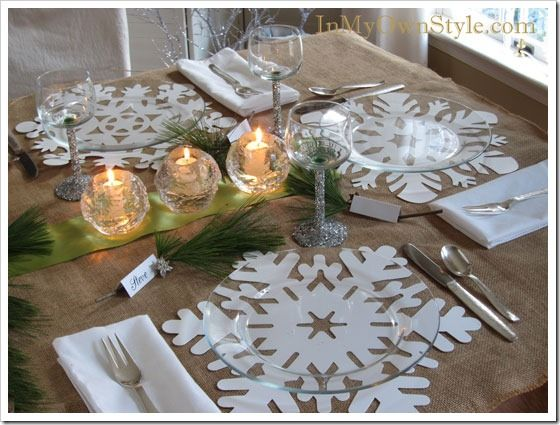 Placemats are cardstock snowflakes clear plates from for Christmas dinner table setting ideas