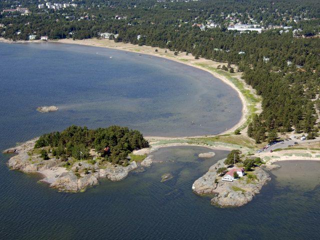 Itäisen Kylpyläpuiston huvila-alue.Tallholmenin saaret Hangon Itäisen kylpyläpuiston alueella. Kuva MV-RHO Hannu Vallas