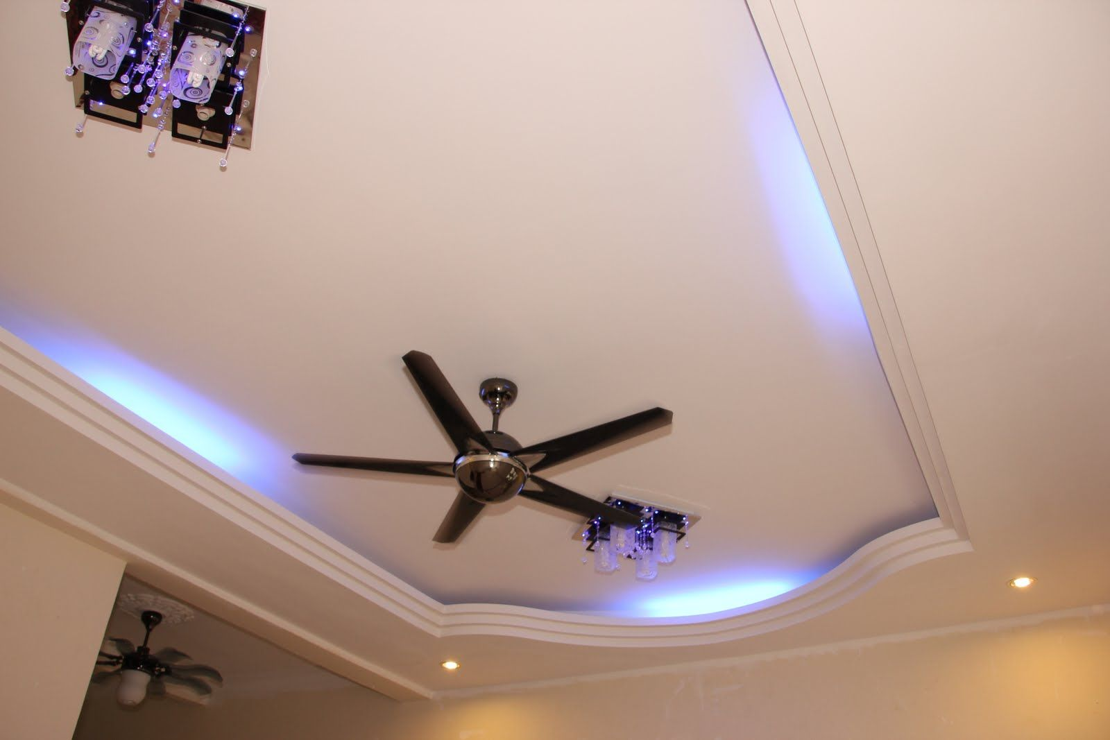 False Ceiling Size : Modern Simple Ceiling Design. Modern Gypsum ...    Simple Part 61