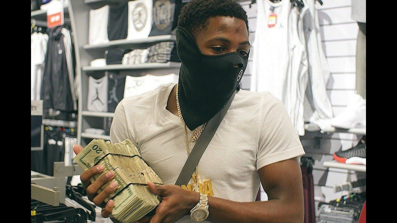 Nba Youngboy Pull Up At Goon Who Snatched His Chain Ready To Fire Youtube Best Rapper Alive Xxl Magazine You Are The Father