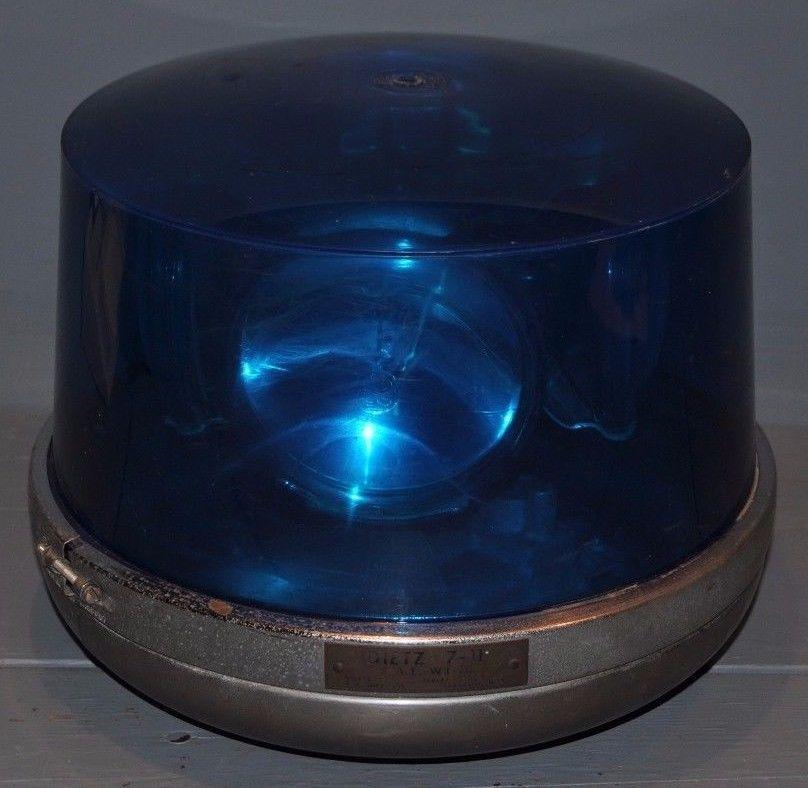 VINTAGE WORKING DIETZ MODEL 7-11 ROTATING BLUE BEACON