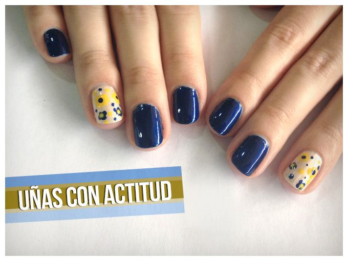 Tutorial: Manicure 'Navy Blossoms'