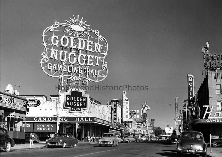 Las Vegas 1950 Fremont and South 2nd Street WM.jpg (900×636)