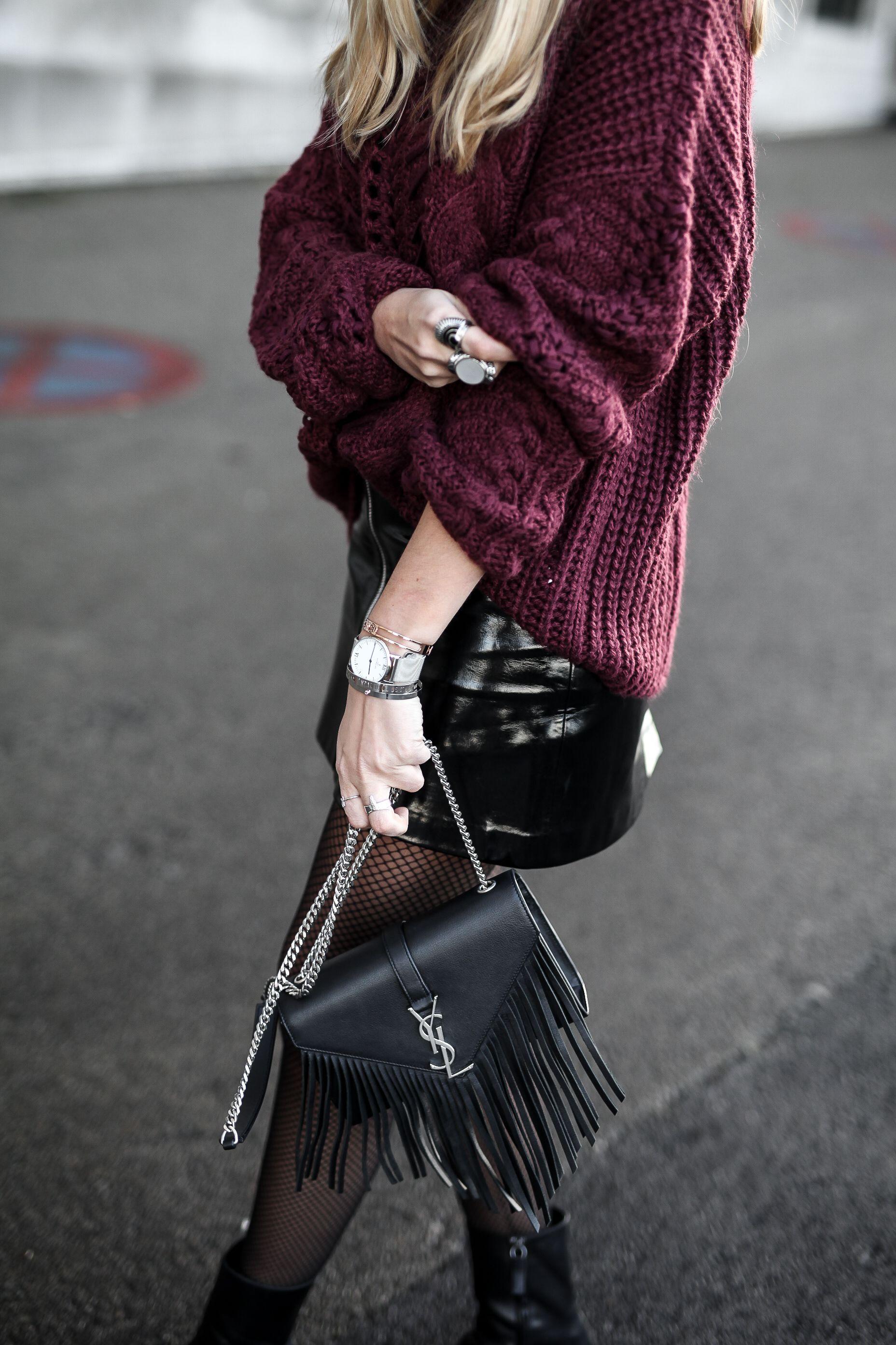 e0be60149bb burgundy knit and vinyl skirt Col Roulé