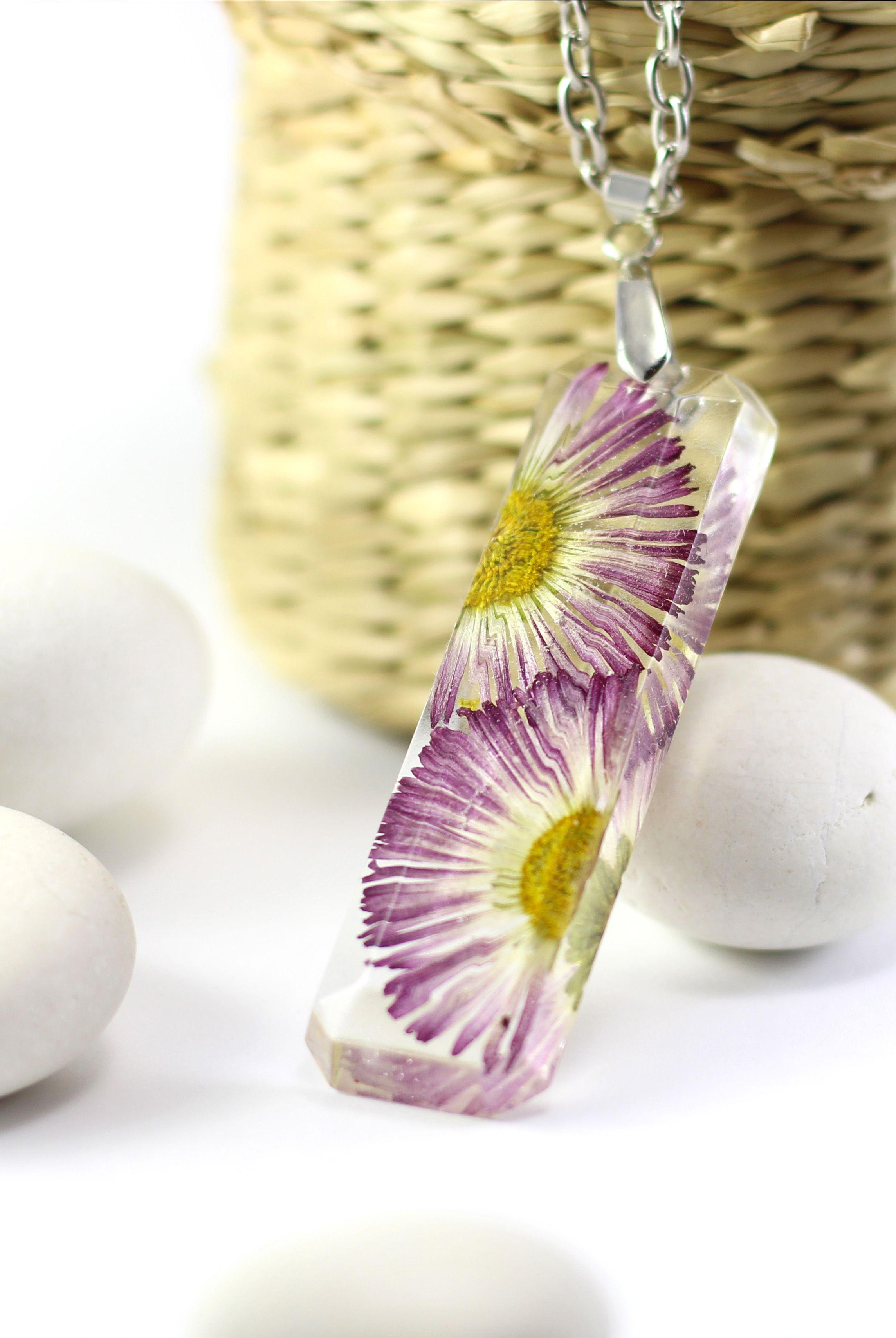 Resin Flower Necklace Resin Jewelry Elegant Jewelry Daisy Flowers Jewelry Bride Gift Ideas Bridesmaid Gif Resin Jewelry Flower Resin Jewelry Resin Flowers