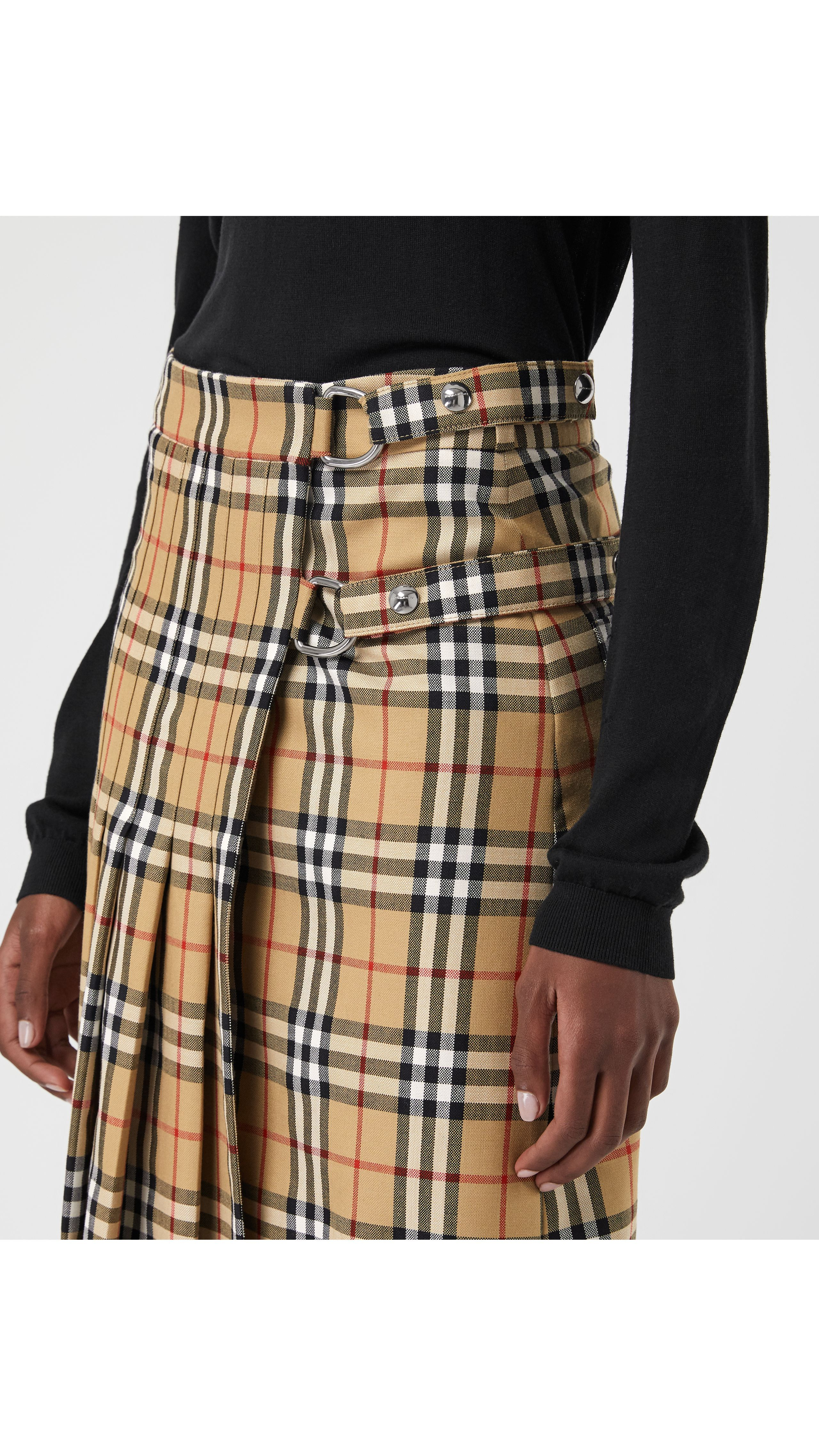 ddca4fc95 Faldas para mujer   Burberry   S A I A S ......   Faldas, Faldas ...