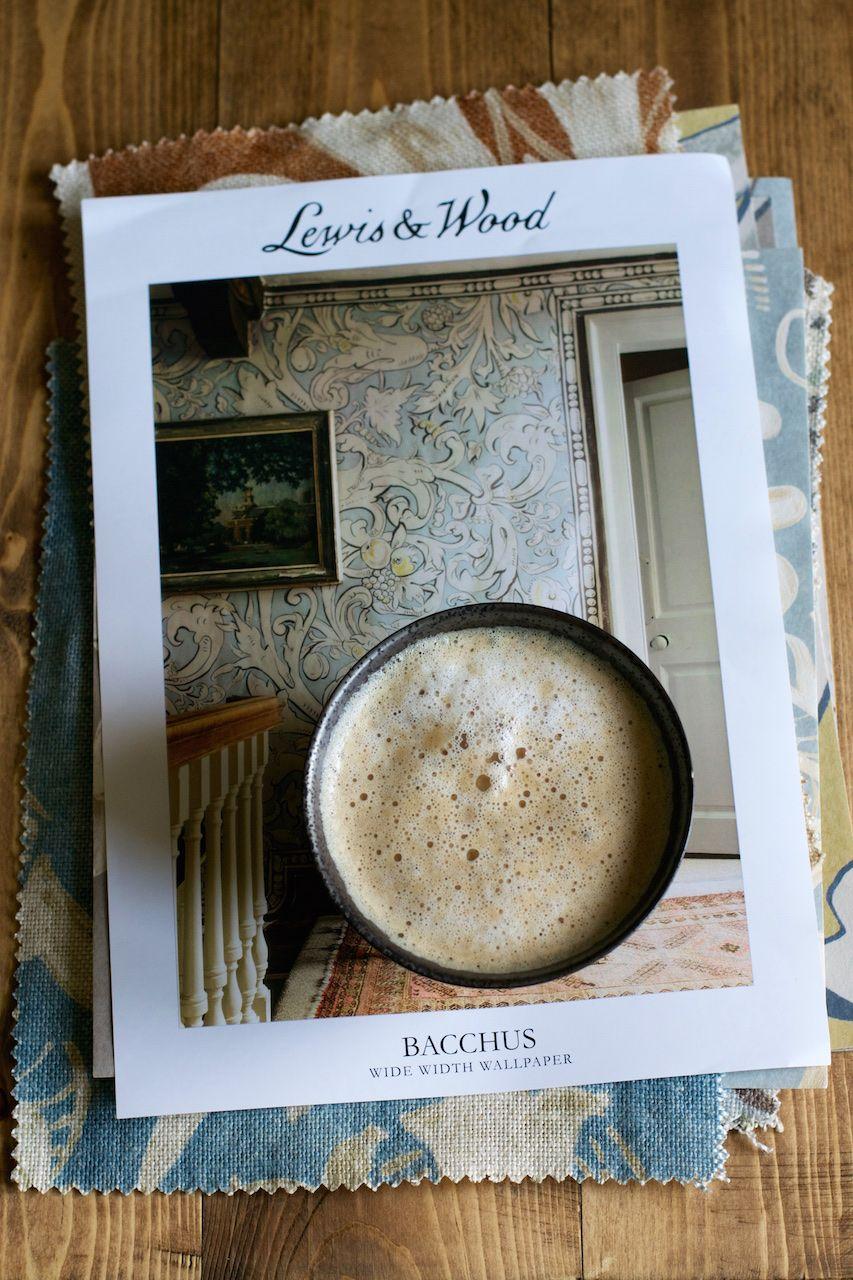 a bowl of latte · Lisa Hjalt