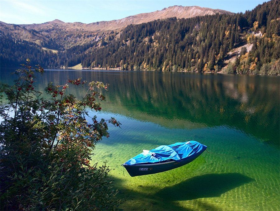 Arnensee, Switzerland.. look at the water.. so amazing