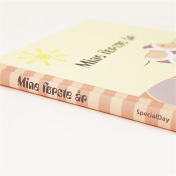 Barnets bog - Mine første år - Køb her
