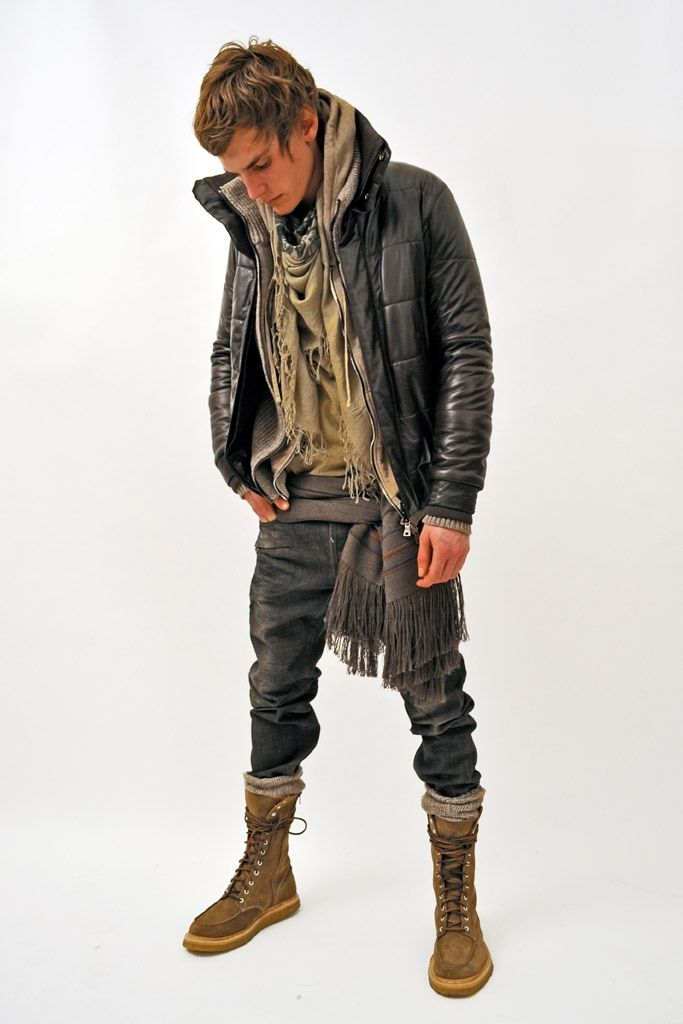love when guys where combat boots with rolled up jeans x | I swear ...