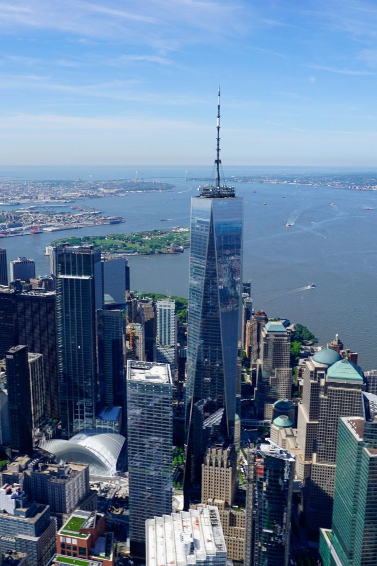 SO impressed by the Manhattan Skyline! You should definitely experience it from a helicopter as well! #travelinspiration #traveldestination #heliride #adventuretravel #NYC #Newyork #bigapple