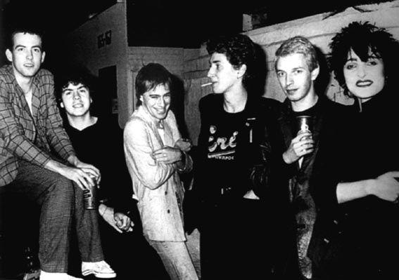 Siouxsie And The Banshees - Spellbound (video testo e traduzione) LYRICS http://ift.tt/2nUXCMz