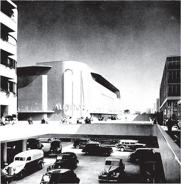 Itä-Pasila muistuttaa yllättävän paljon GM:n Futurama-mallia vuoden 1939 New Yorkin maailmannäyttelystä. Itse olin kuvitellut, että inspiraatio olisi tullut sodan jälkeisistä sosialistidiktatuureista, mutta luulo ei ole tiedon väärti.  Onkohan Itä-Pasilaa rakennettu laajamittaisesti joskus Jenkkeihin? Muutaman messukeskuksen lähellä sielläkin on vastaavaa, mutta ei samassa mittakaavassa.