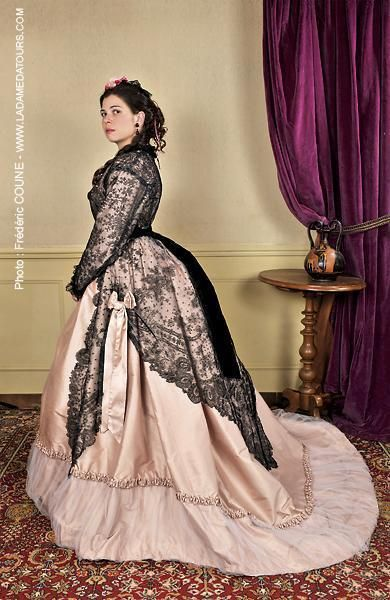 Victorian bustle gown - The contrast of black on pink is just gorgeous, and the detail.. love it!