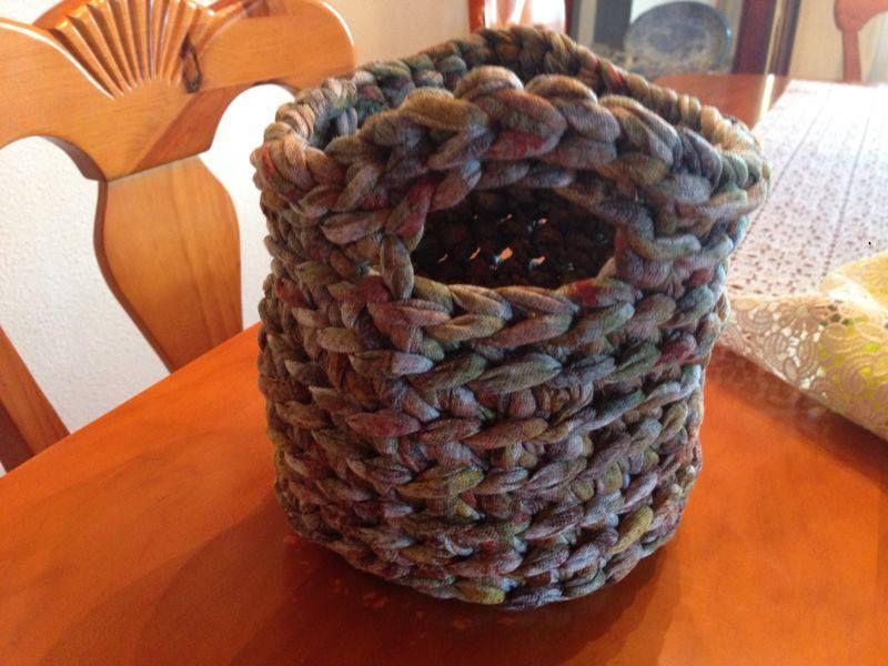 Curso de trapillo! Aprende a hacer una cesta con nosotros el próximo Sábado dia 31 de agosto de 10 a 13h Más información y reservas a info@puntadesonline.com o llamando al telf. 93 115 47 99
