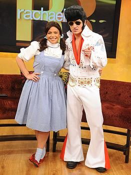 Rachel Ray Nick Lachey Dressed Up As Dorothy From The Wizard Of Oz Elvis Celebrity Halloween Celebrity Halloween Costumes Halloween Costumes Dress Up
