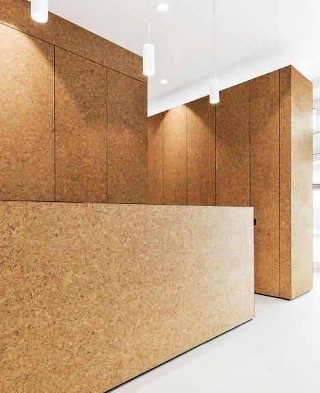 Cork As A Wall Finish At Heart Surgery Zurich By Dost Interior Wall Design Tropical House Design Lobby Design