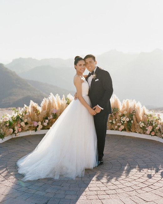 3c78ea60c3a A Malibu Wedding With a Surprise Reception Location